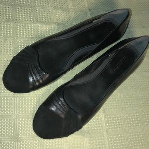 Easy Spirit Women's Black Suede & Leather Flats